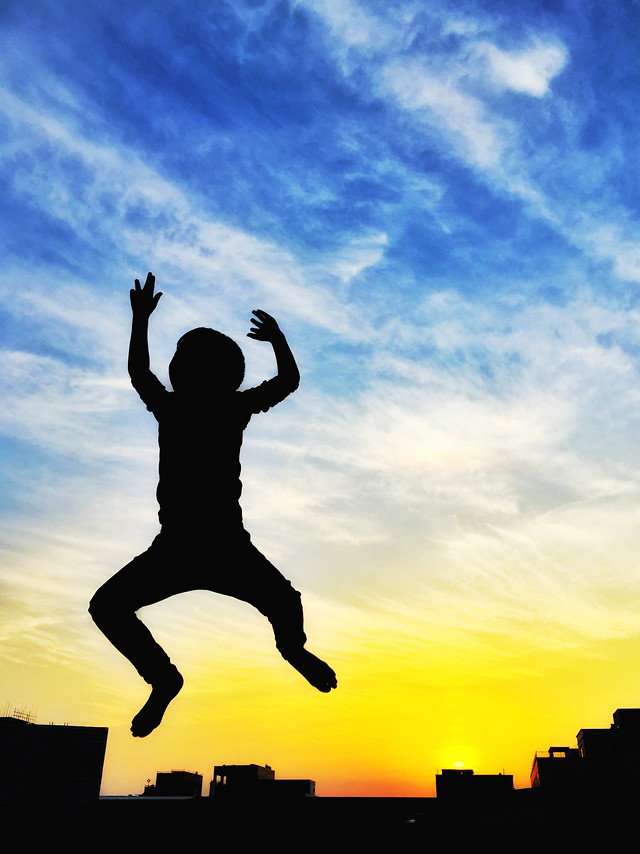 sky-silhouette-people-jumping-balance picture material