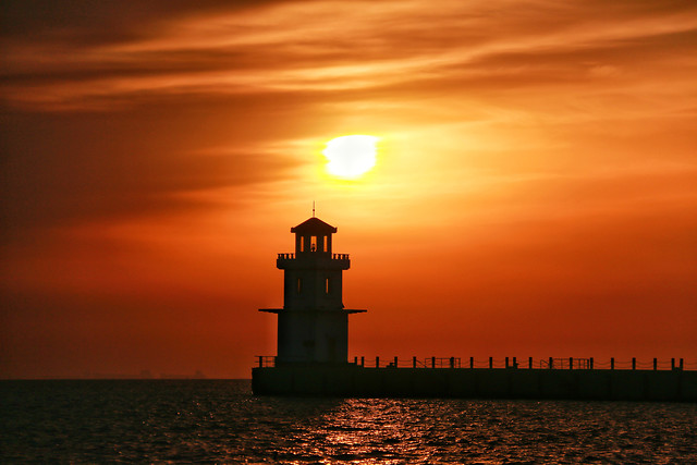 sunset-lighthouse-dawn-sea-sun picture material