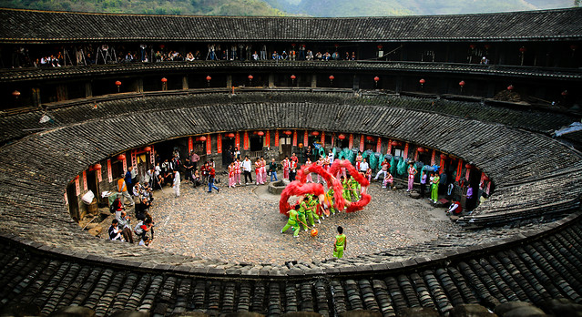 people-amphitheatre-group-group-together-travel picture material