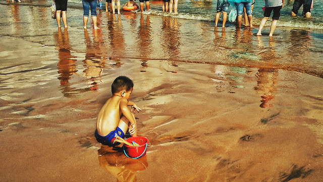 water-child-people-travel-beach picture material