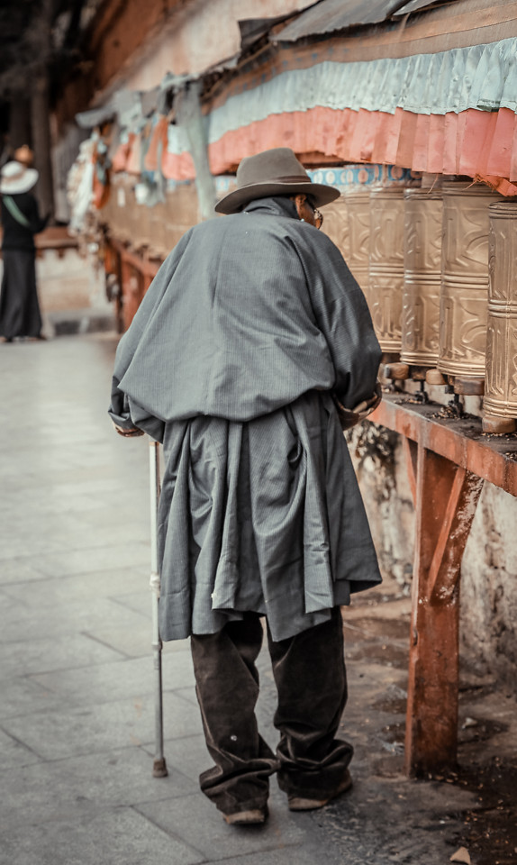 people-man-street-adult-one picture material