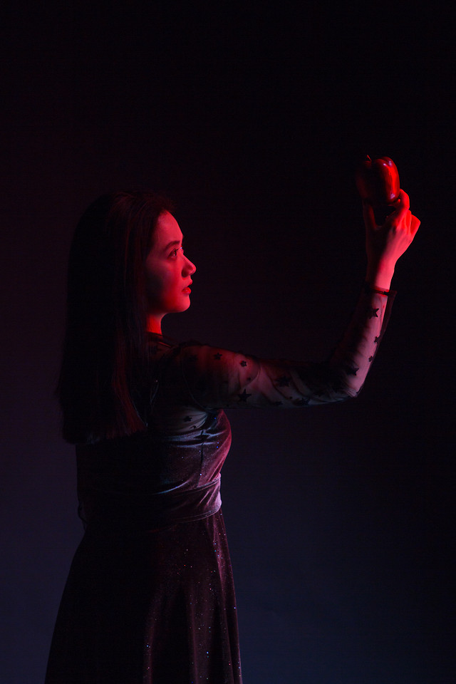 music-woman-girl-portrait-performance picture material