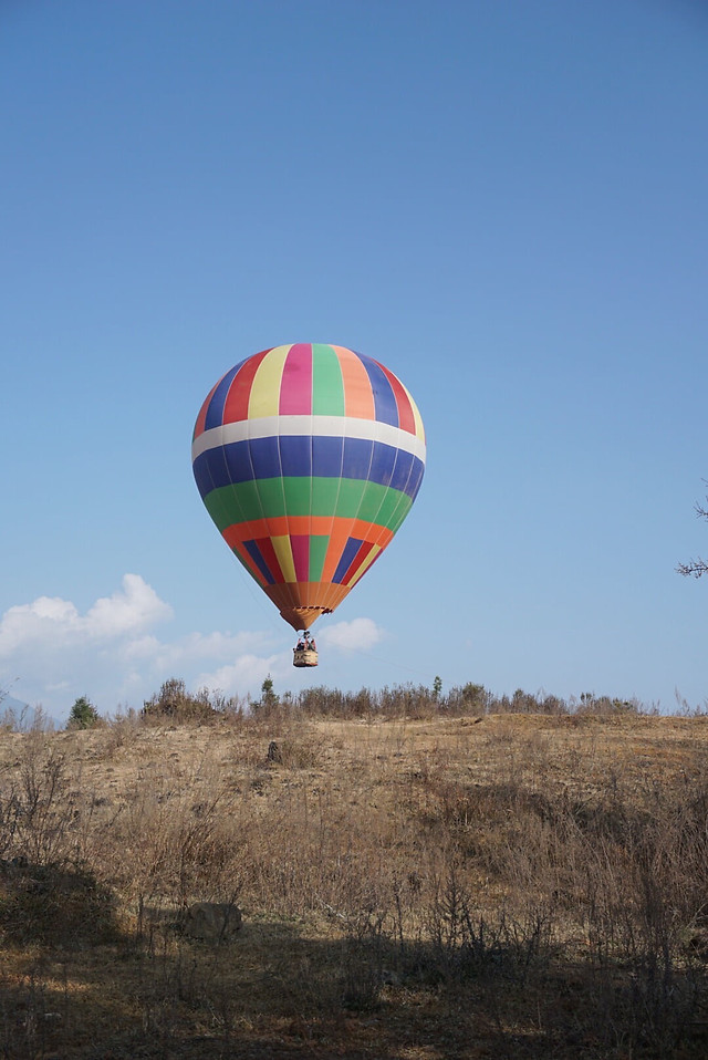 hot-air-ballooning-balloon-hot-air-balloon-sky-no-person picture material