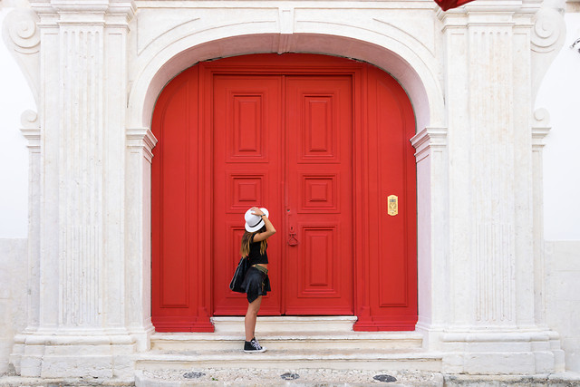 architecture-door-entrance-doorway-red 图片素材