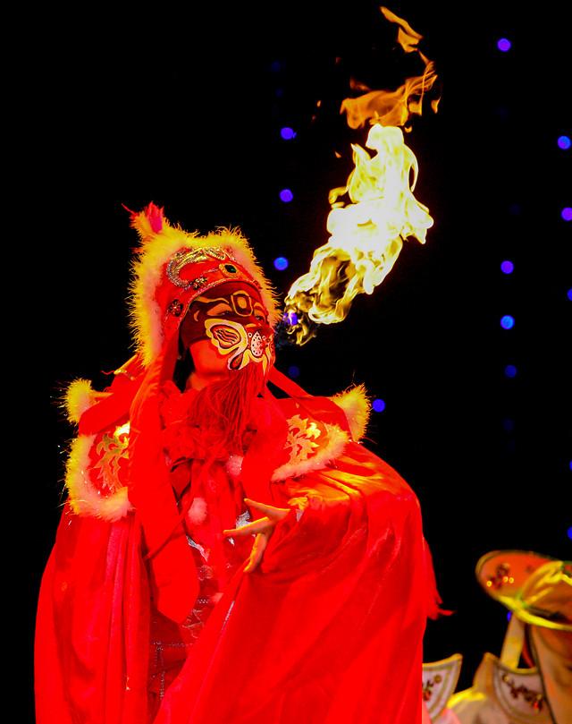 festival-art-halloween-costume-performance 图片素材