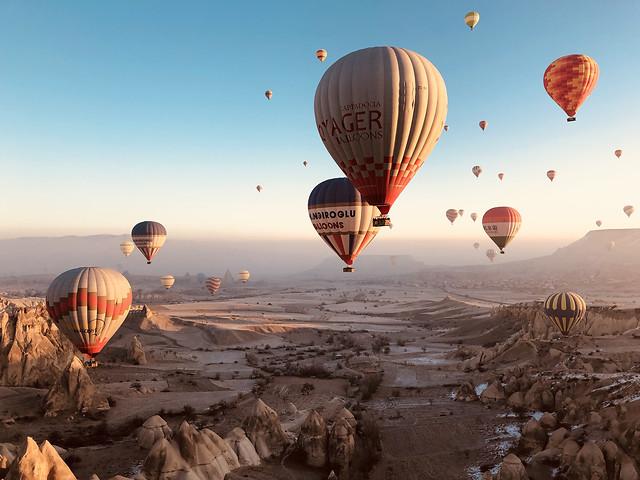 balloon-hot-air-balloon-airship-travel-adventure picture material