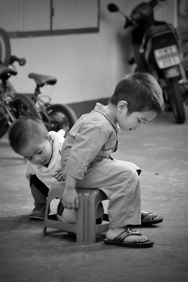 child-people-two-white-black 图片素材