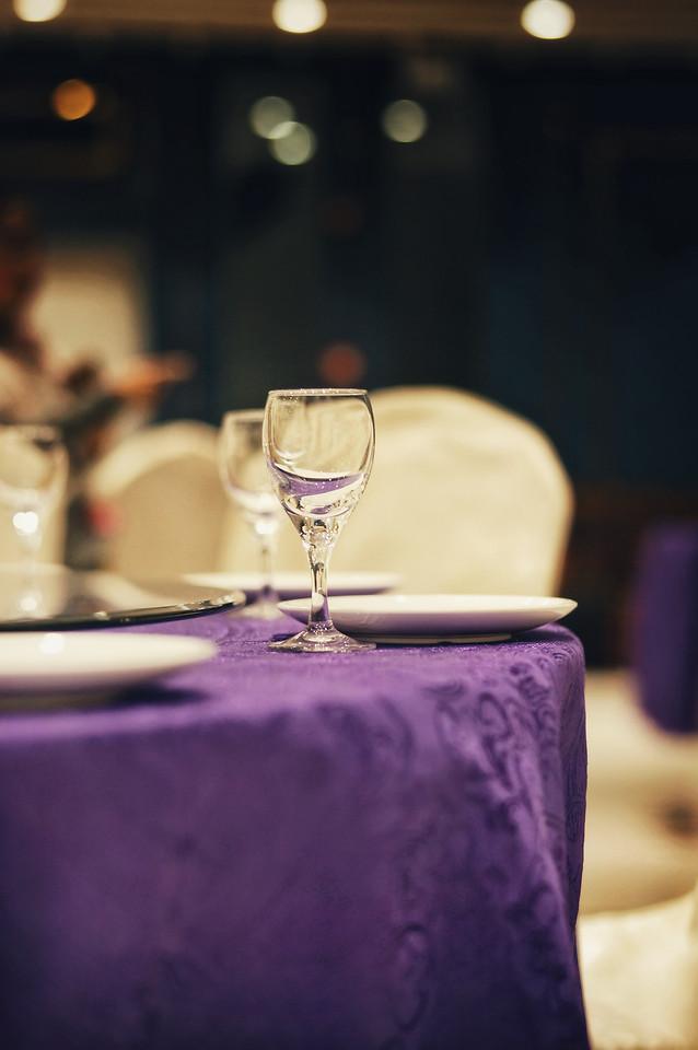table-furniture-wine-restaurant-room 图片素材