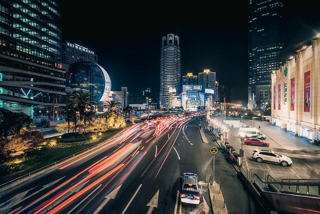 metropolitan-area-downtown-city-traffic-cityscape 图片素材