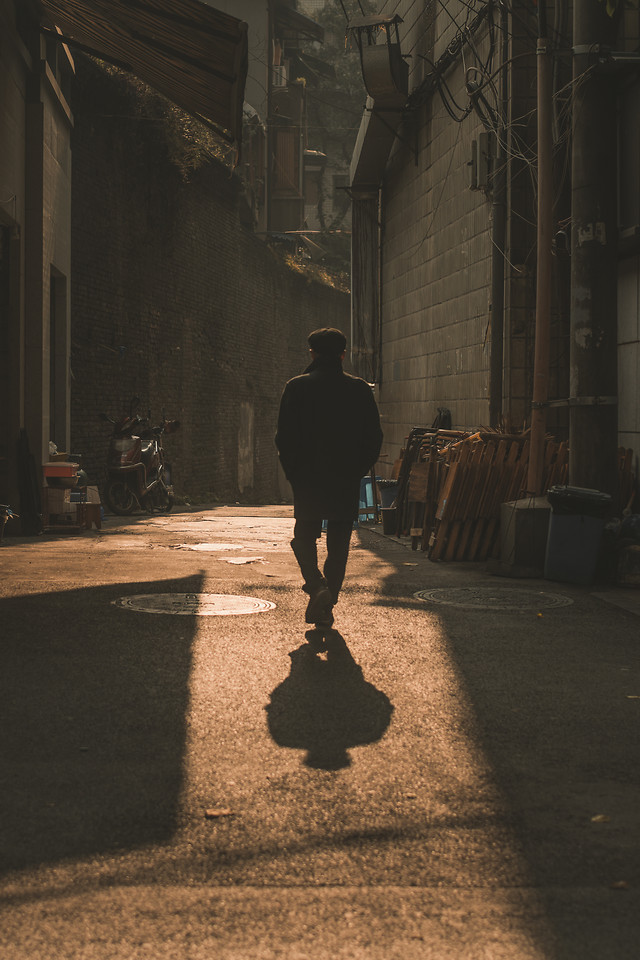 people-street-one-adult-shadow picture material