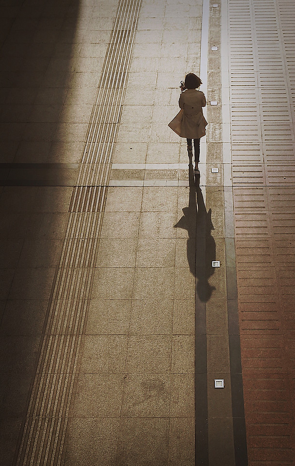 people-shadow-no-person-city-light picture material
