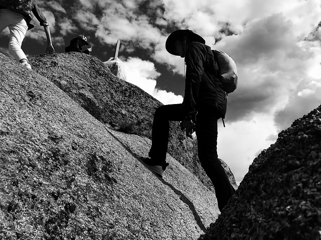 people-climb-monochrome-one-man picture material