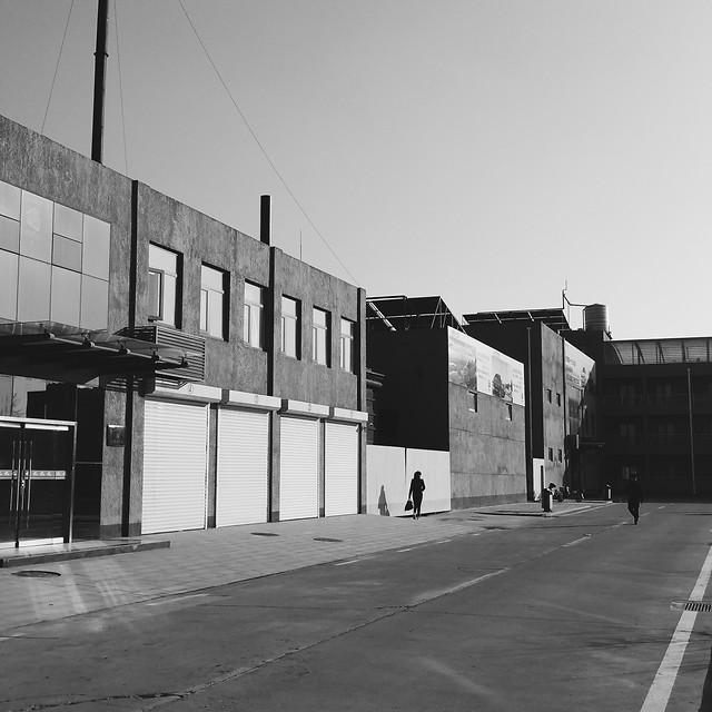 street-warehouse-architecture-no-person-black picture material