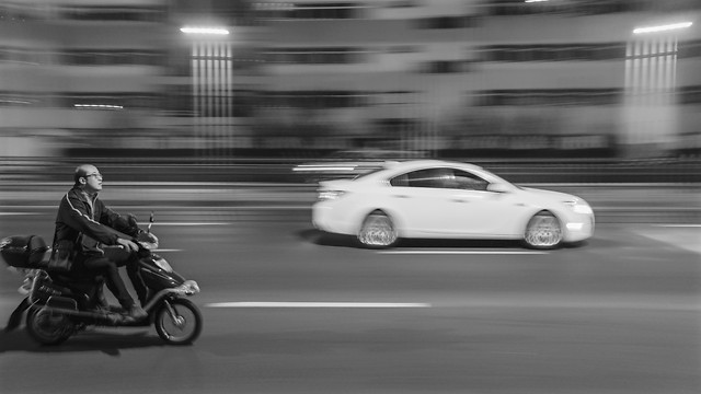 vehicle-blur-car-land-vehicle-motor-vehicle picture material
