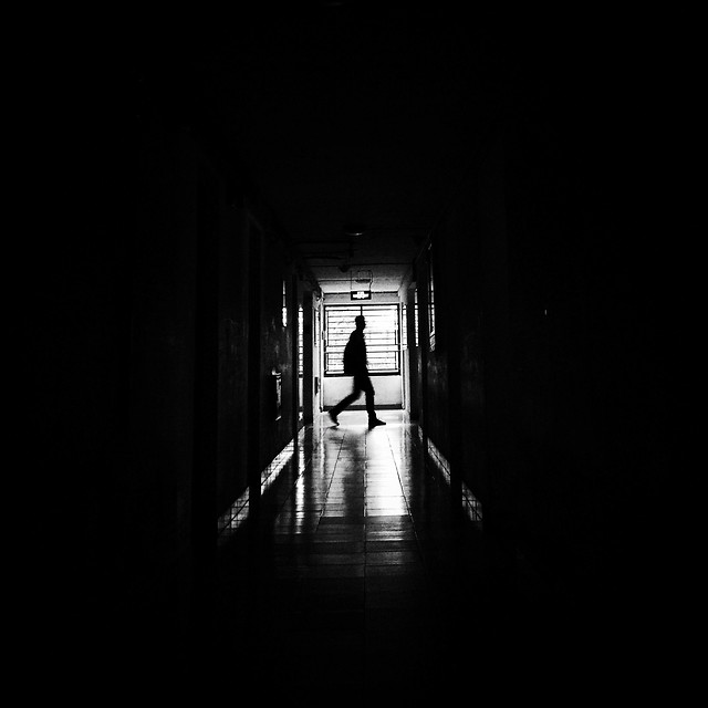 monochrome-tunnel-eerie-light-people picture material