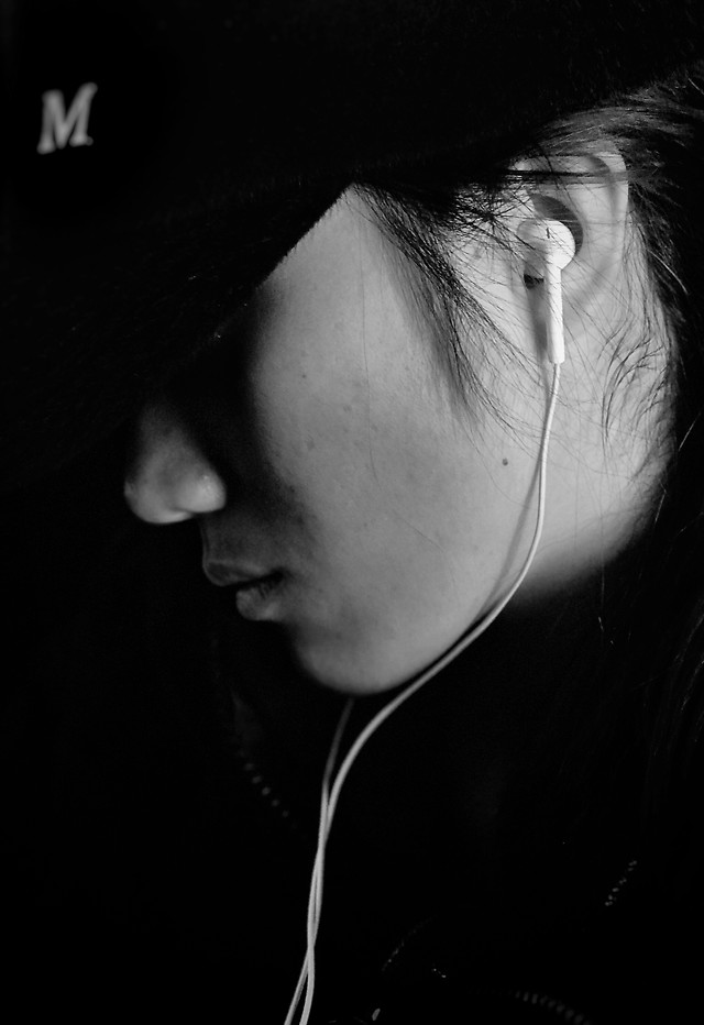 monochrome-portrait-people-girl-woman picture material