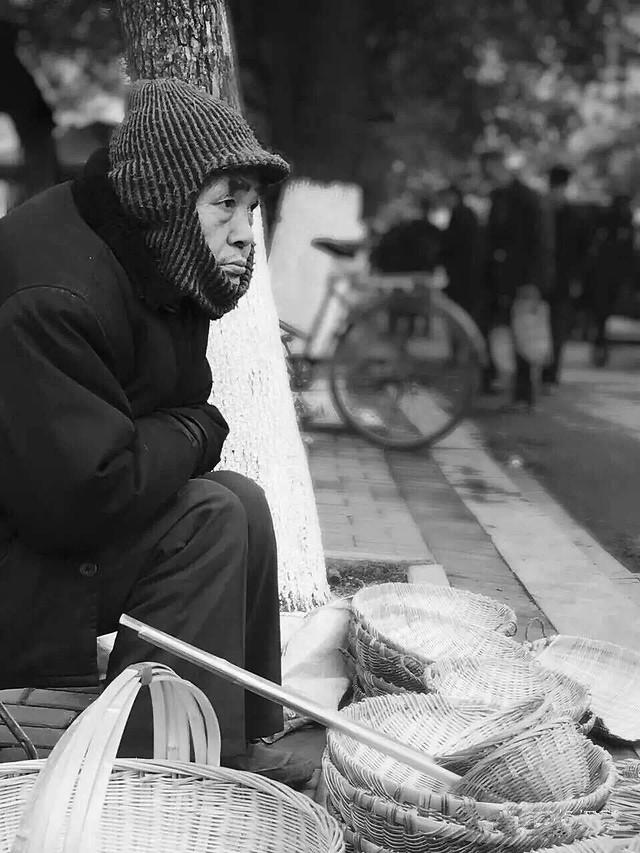 people-street-woman-adult-one 图片素材