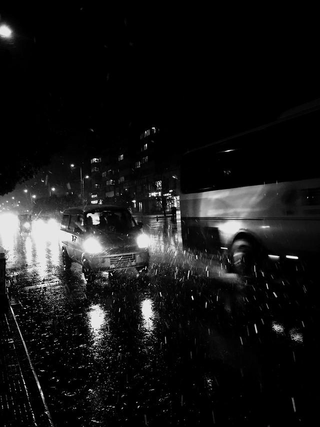 street-light-city-monochrome-people 图片素材