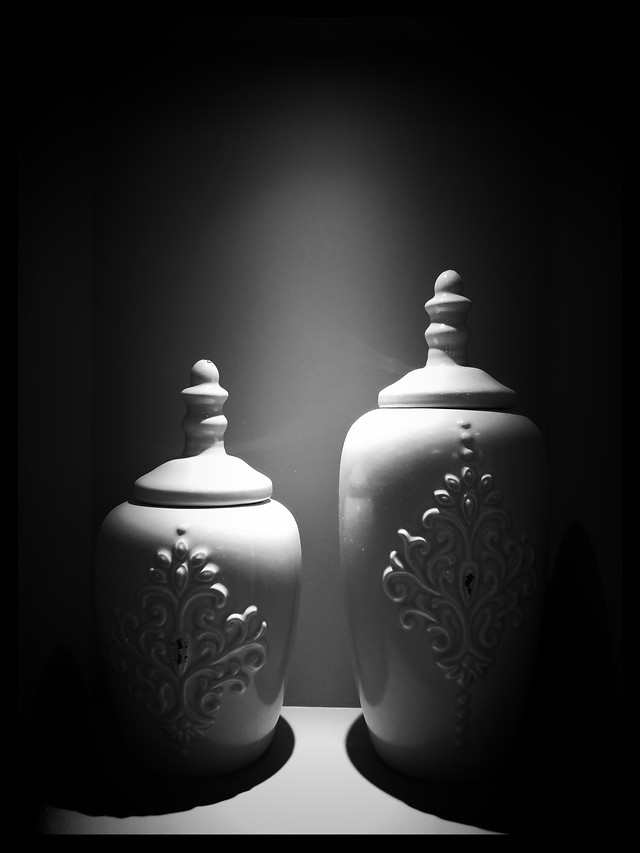 monochrome-pottery-studio-art-desktop picture material