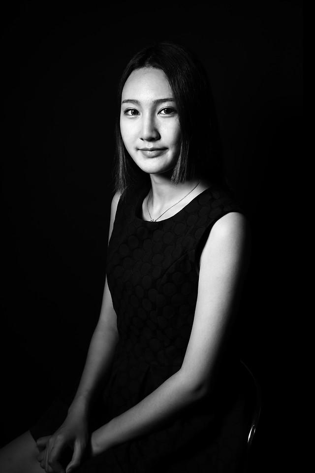 portrait-fashion-girl-woman-monochrome picture material