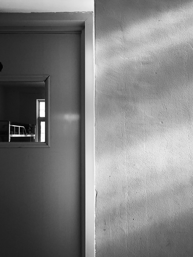 monochrome-abstract-wall-door-window picture material
