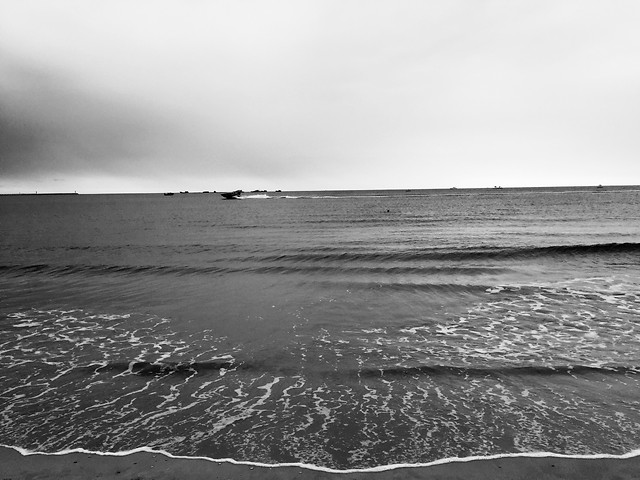 beach-water-sea-ocean-monochrome picture material