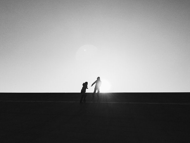people-silhouette-landscape-action-white picture material