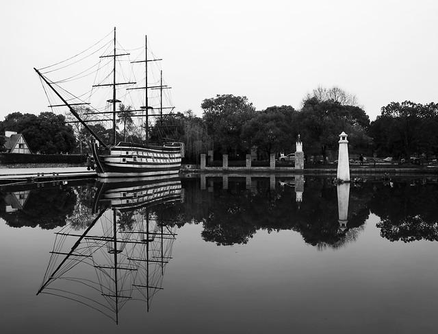 water-no-person-reflection-river-lake 图片素材