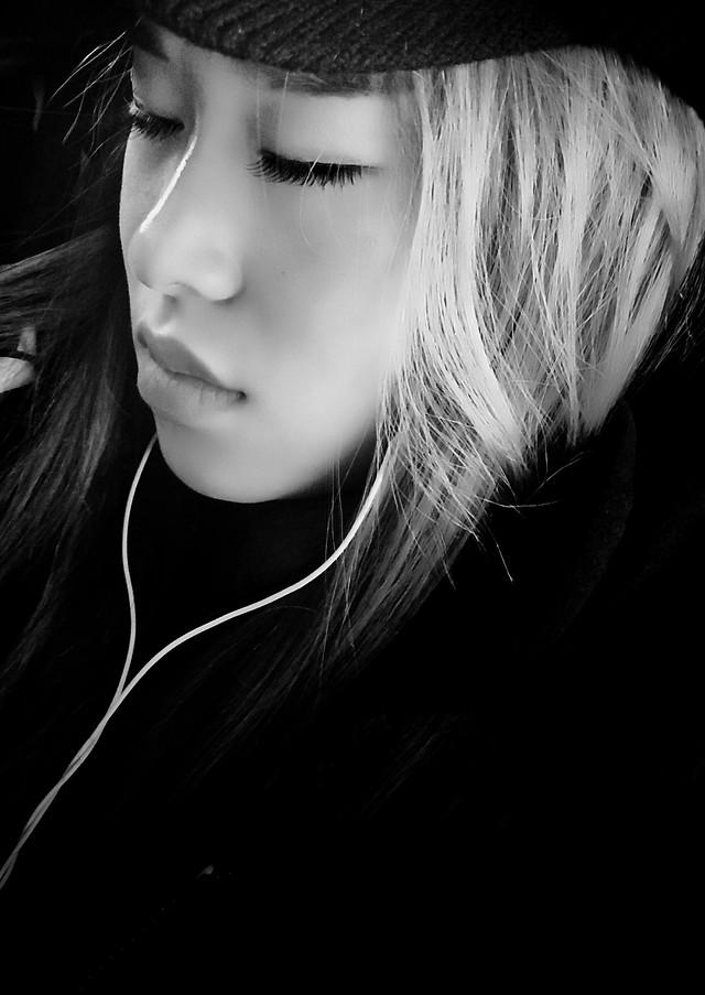 monochrome-portrait-girl-woman-model picture material