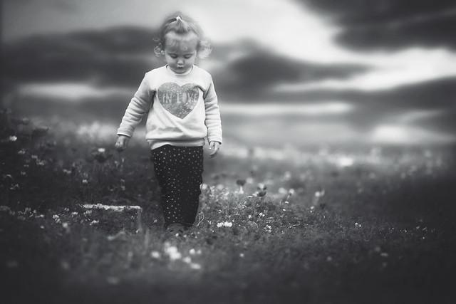 monochrome-people-child-portrait-one picture material