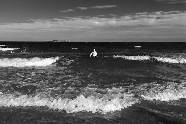 sea-ocean-wave-water-monochrome picture material
