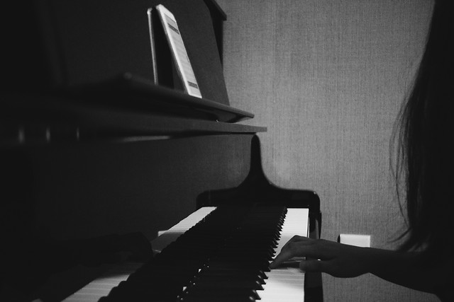 piano-music-people-instrument-pianist picture material