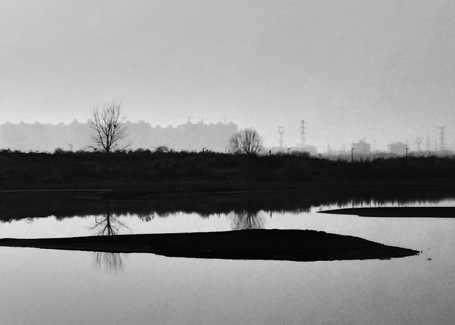 lake-reflection-no-person-water-river 图片素材