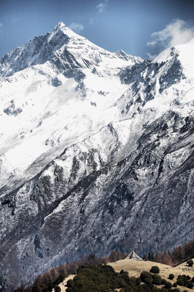 mountain-peak-mountainous-landforms-mountain-mountain-range-ridge 图片素材