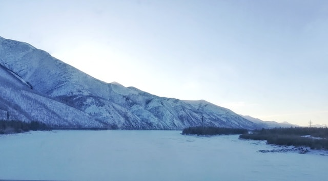 snow-winter-russia-themountains-body-of-water 图片素材