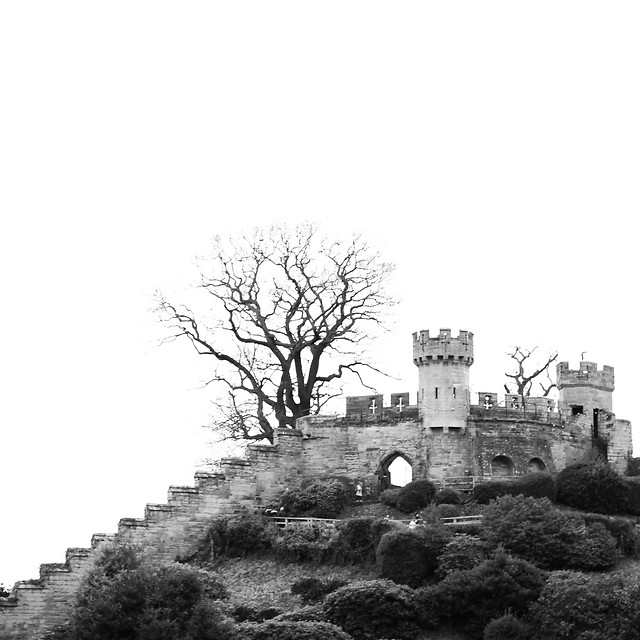 black-white-old-castle-military-building picture material