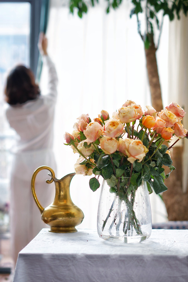 flower-vase-bouquet-wedding-table picture material