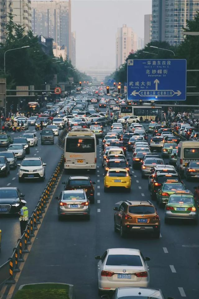 road-transportation-system-traffic-car-metropolitan-area 图片素材