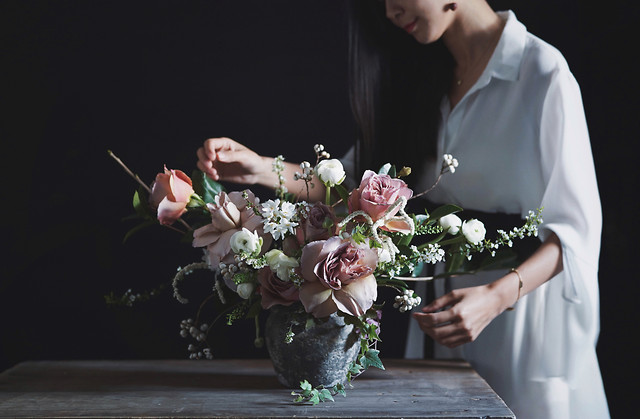 flower-wedding-rose-people-bouquet picture material