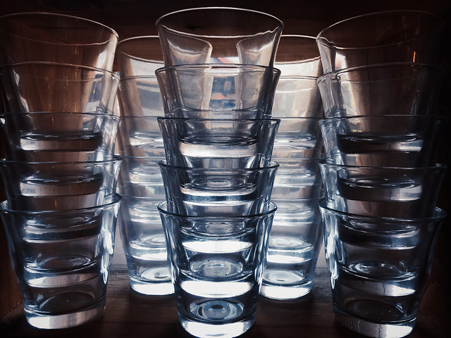drink-bar-glass-no-person-reflection picture material