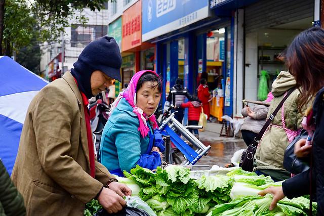 people-city-market-woman-street 图片素材