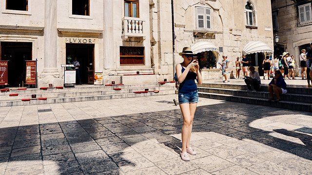street-city-people-woman-architecture picture material