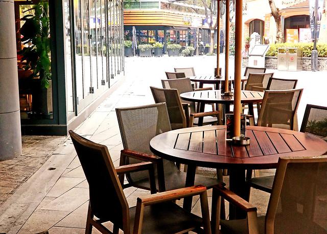 table-chair-furniture-seat-restaurant 图片素材