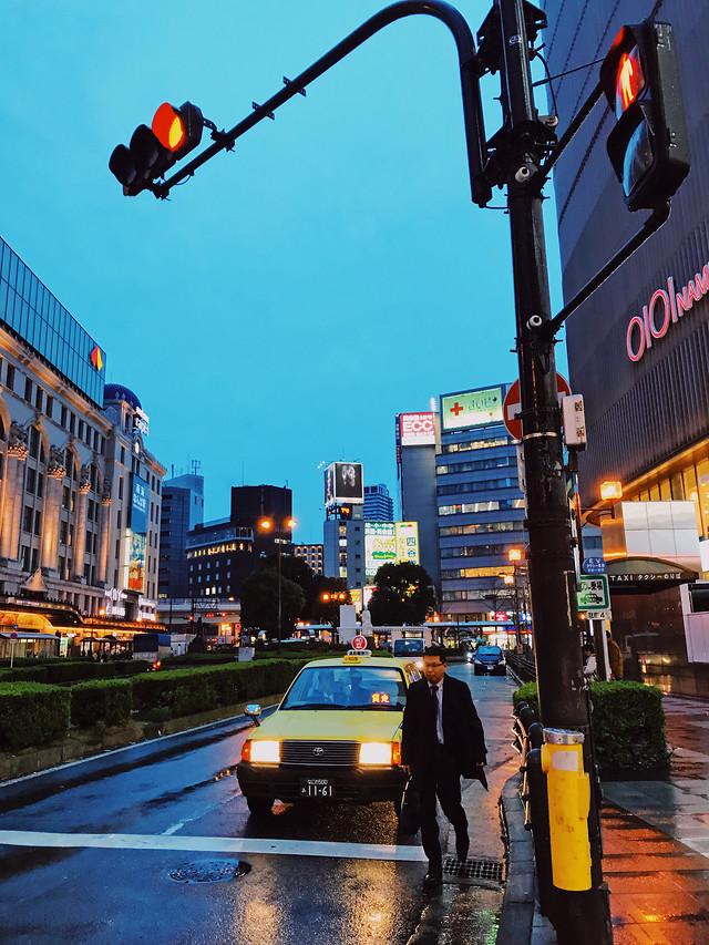 metropolitan-area-road-street-traffic-car 图片素材