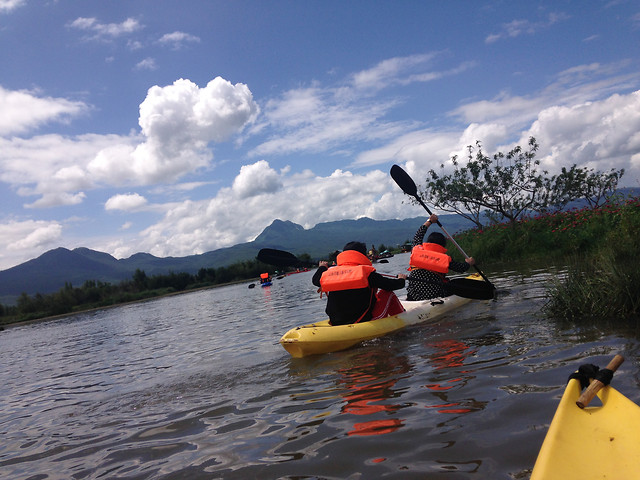 kayak-water-canoe-no-person-watercraft picture material