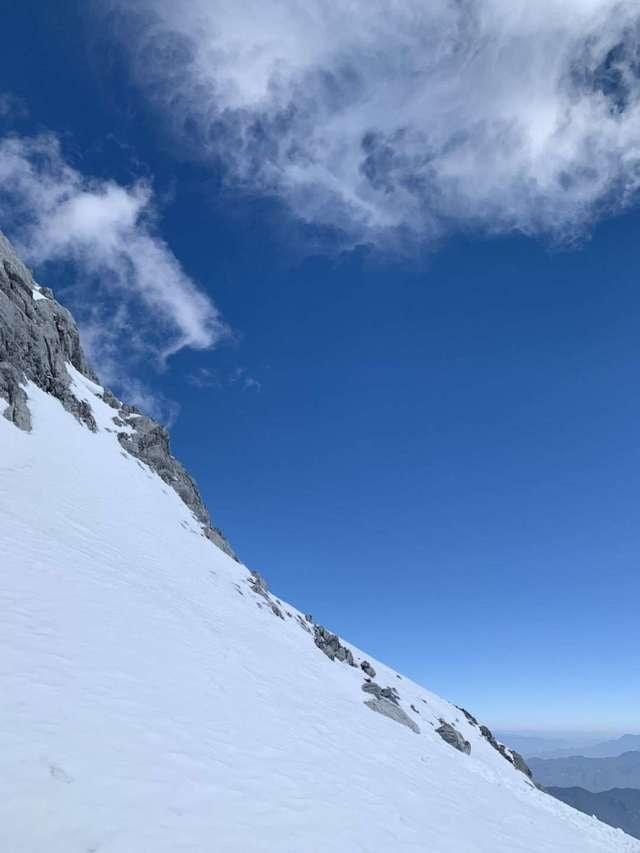 sky-cloud-mountain-range-ridge-mountainous-landforms picture material
