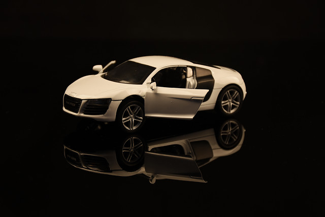 car-wheel-vehicle-automotive-drive picture material