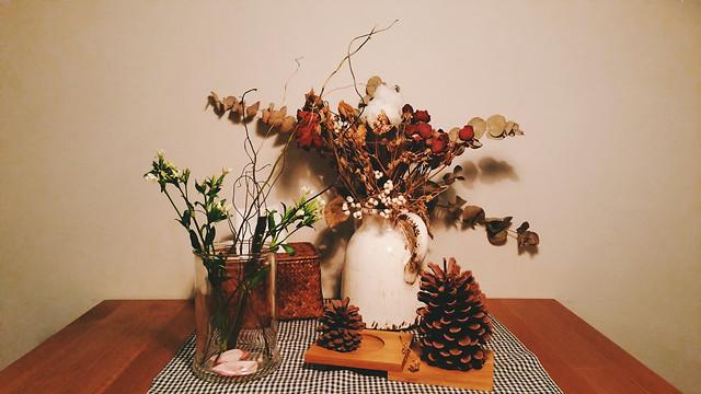 no-person-interior-design-vase-table-still-life picture material