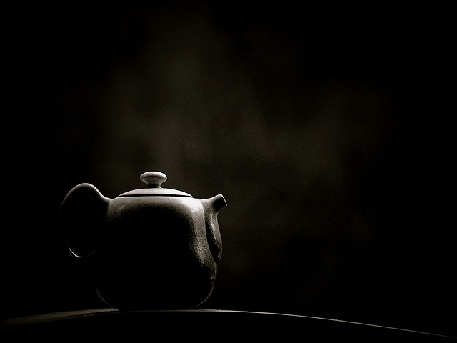 monochrome-still-life-dark-shadow-art picture material