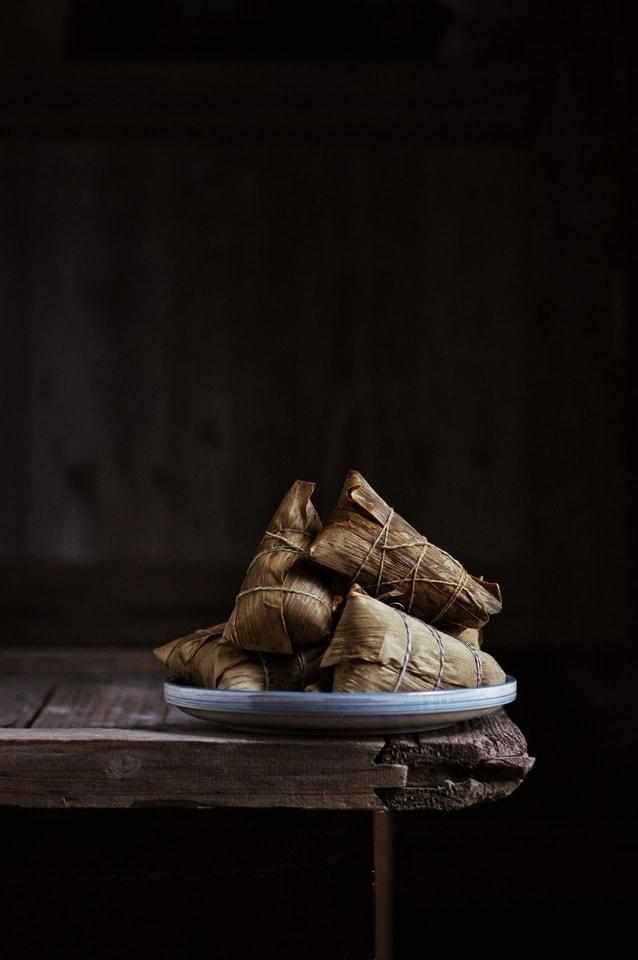 footwear-still-life-wood-dark-tone-food picture material